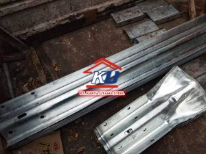 Guardrail Jalan Tol Murah Per Meter Include Reflector
