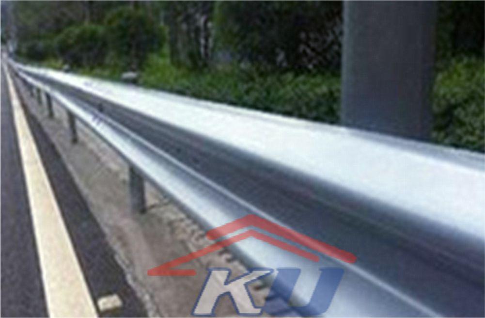 Guardrail Pembatas Jalan